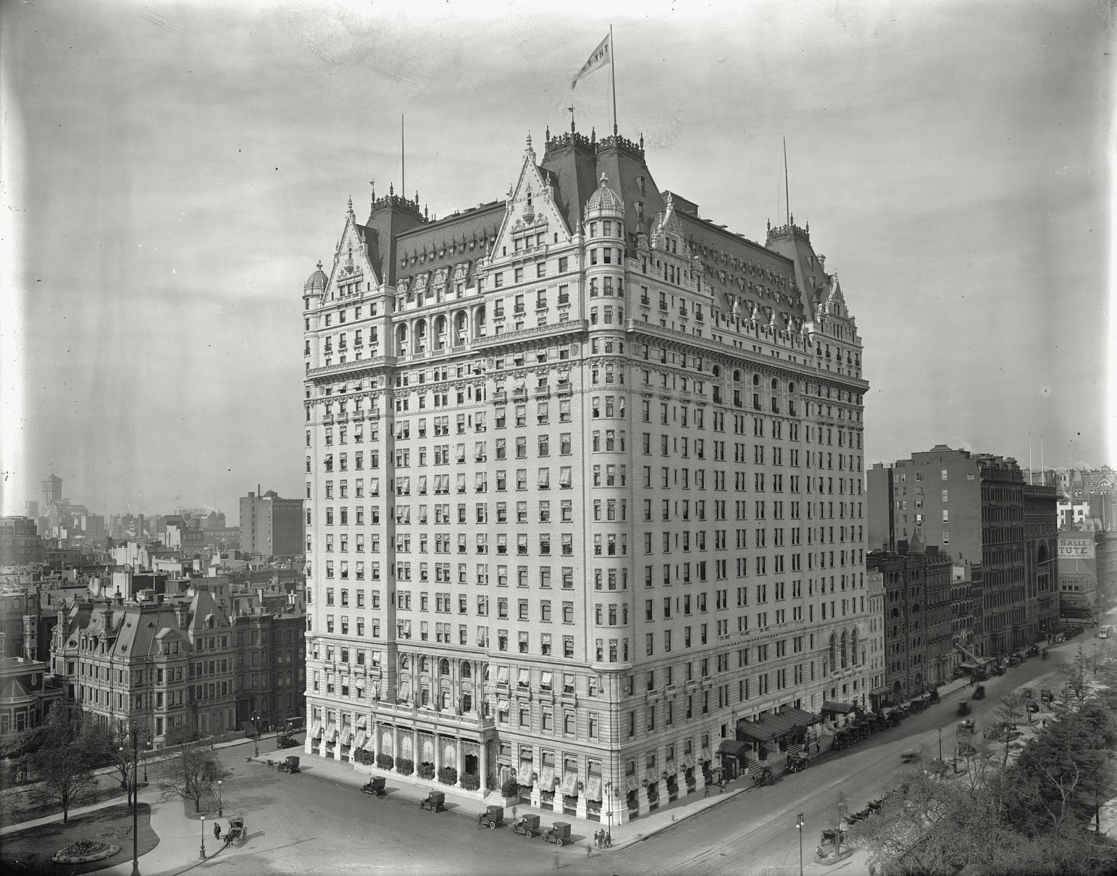 The plaza hotel new york clipart.