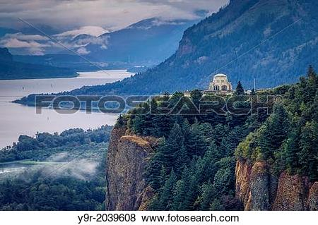 Pictures of Early morning view of Vista House at Crown Point in.
