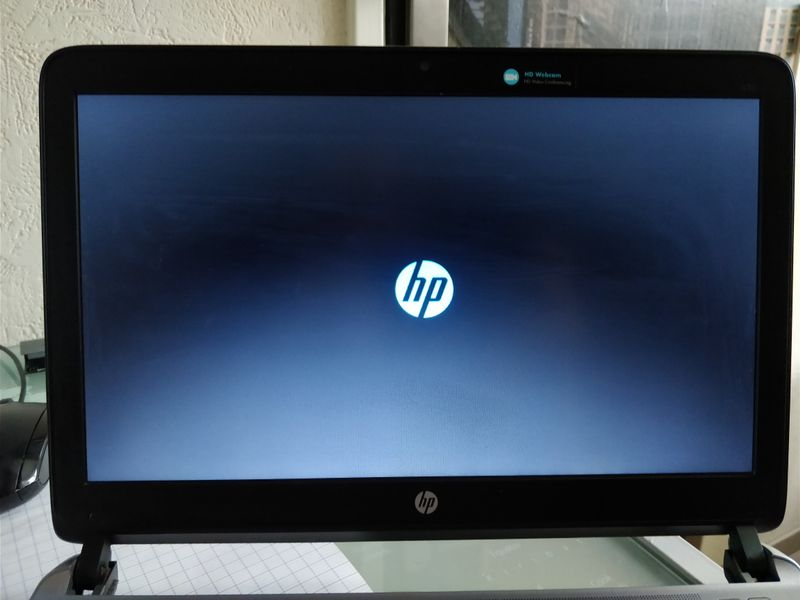 HP Probook 430 G2 stuck on HP boot screen.