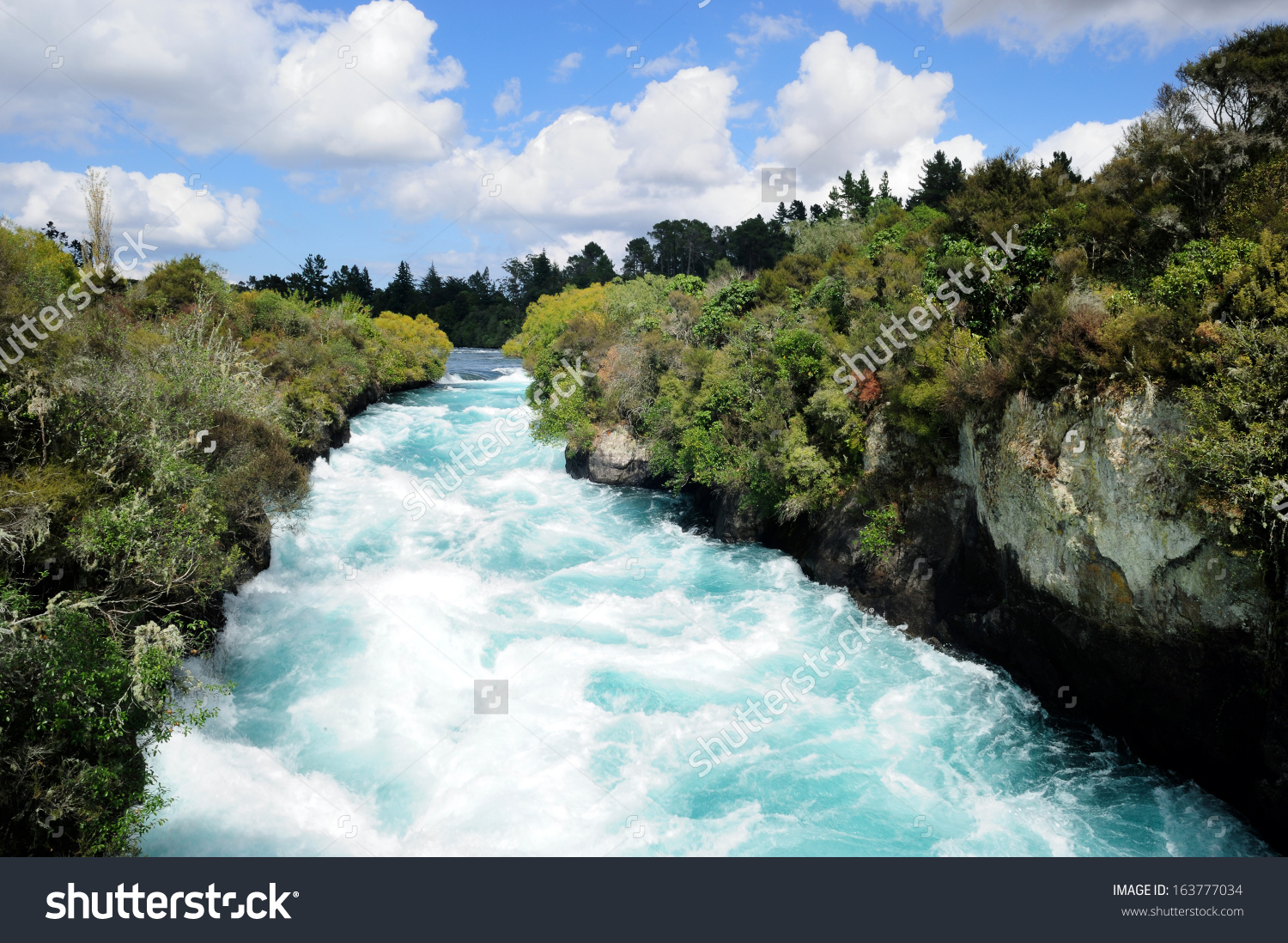 Huka Falls, A Set Of Waterfalls On Waikato River, North Island.
