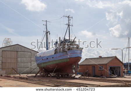 Dry Boat Dock Old Lizenzfreie Bilder und Vektorgrafiken kaufen.