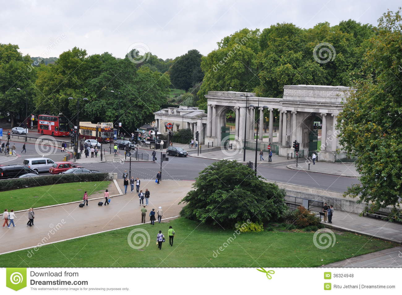 Grand Entrance To Hyde Park In London Editorial Stock Photo.
