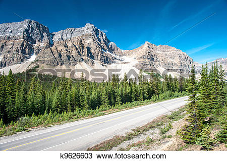 Stock Photo of Icefield Parkway in Banff National Park k9626603.