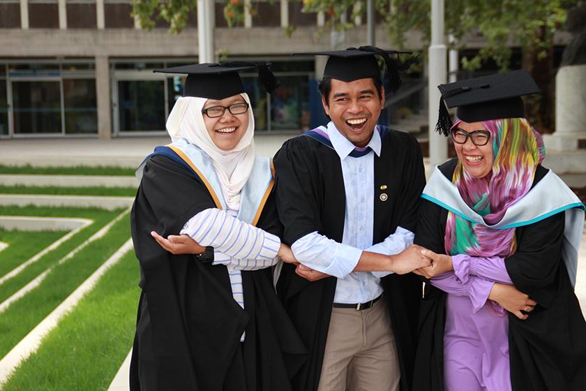 Australia Awards Scholarships for Indonesian Students 2020.