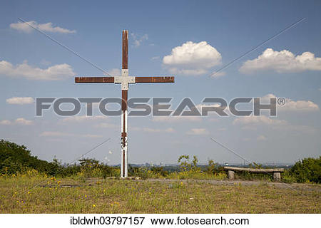 """Picture of """"Summit cross on the Halde Pattberg heap, route of."""