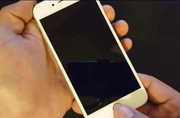 How to fix Apple iPhone 6 black screen or won\'t turn on.