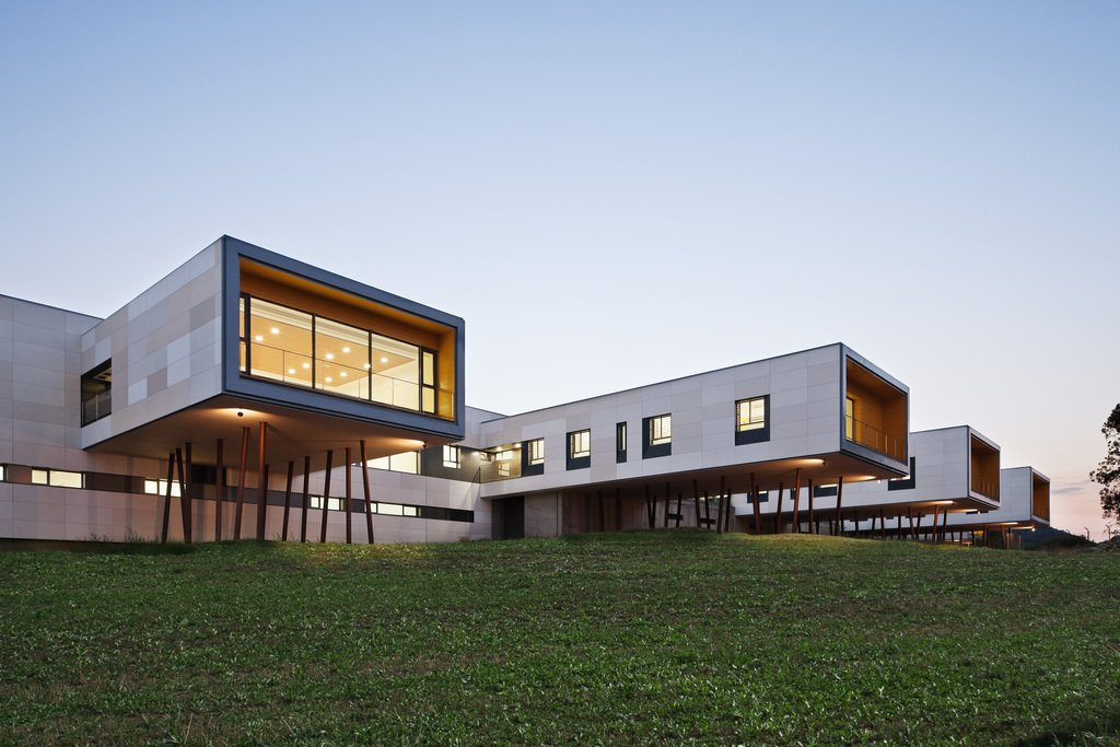 ULMA offers architectural solutions for ventilated facades. Their.