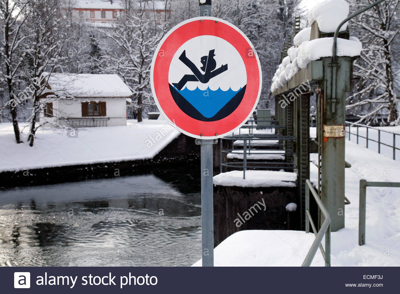 Warning Sign, Danger Of Drowning, Winter, Weir Of The Isar.