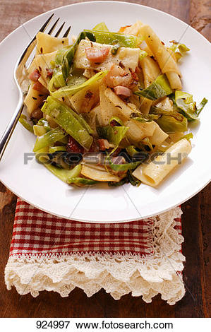 Picture of Krautfleckerl (pasta and cabbage) with bacon (Austria.
