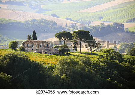 Stock Image of farmhouse in Italian countryside k2074055.
