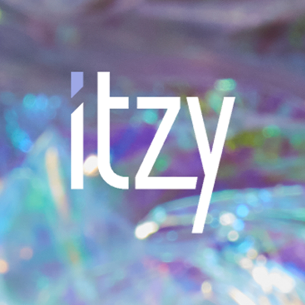 Details about ITZY IT'z ICY Album CD+Photobook+Photocard+Etc+Tracking Code.