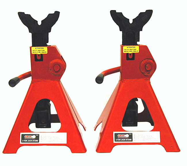 Car jack stands clipart.