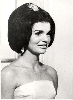 Ficheiro:Jacqueline Lee Bouvier Kennedy.gif.