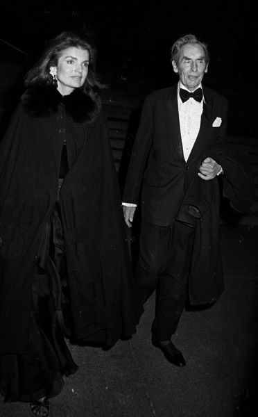 Wallpaper gallery, The muse and Jackie kennedy on Pinterest.