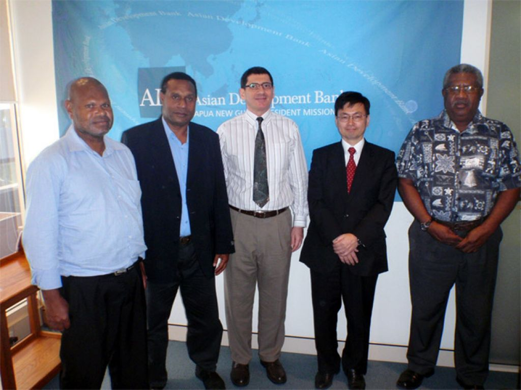 ADB and Japan Support Safe Shipping in Papua New Guinea.