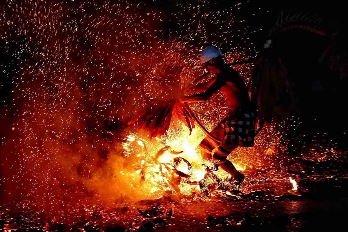 Kecak Ramayana And Fire Dance Fabulousubud.com.