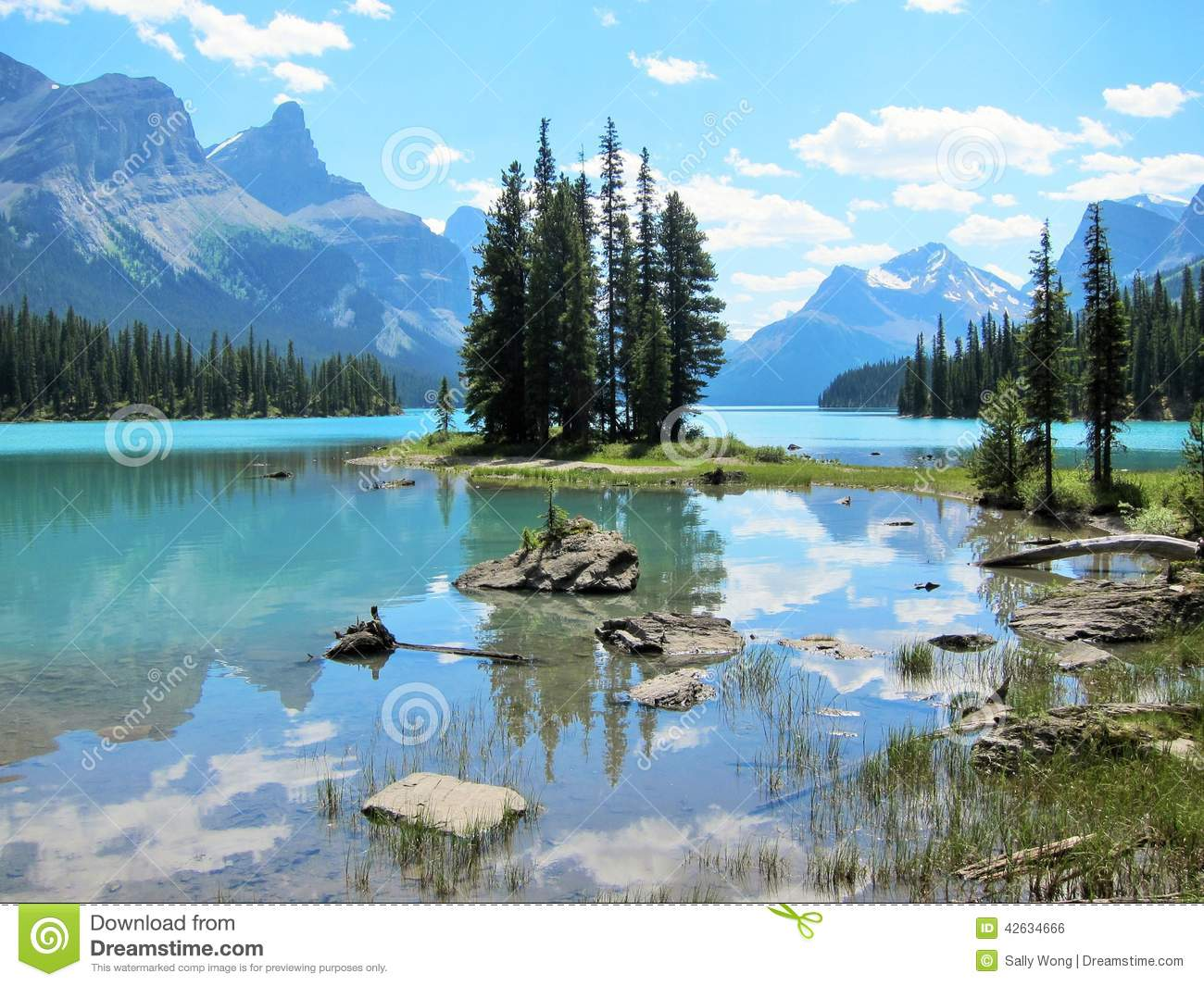 Spirit Island At Jasper National Park Stock Photo.