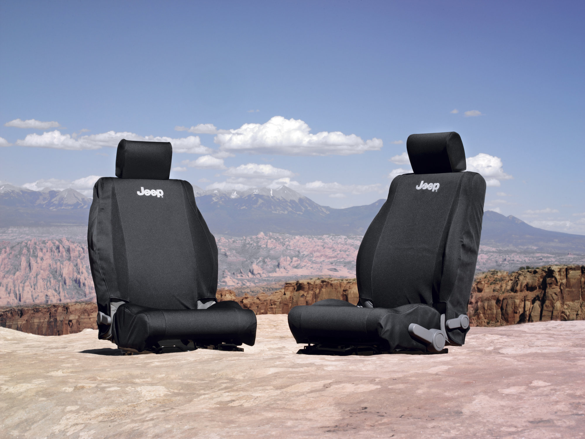 Mopar Jeep Logo Front Seat Covers for 07.