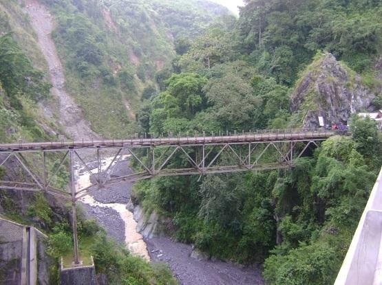 Jembatan Gladak Perak Piket Nol yang Legendaris di Lumajang.