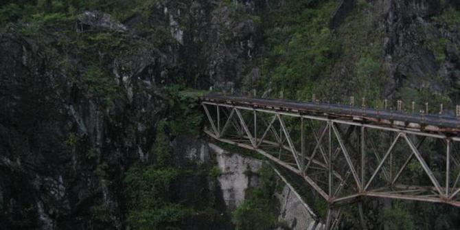 Kengerian di balik indahnya jembatan Piket Nol.
