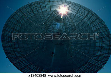 Pictures of Goldstone dish at jet propulsion lab, CA, close.