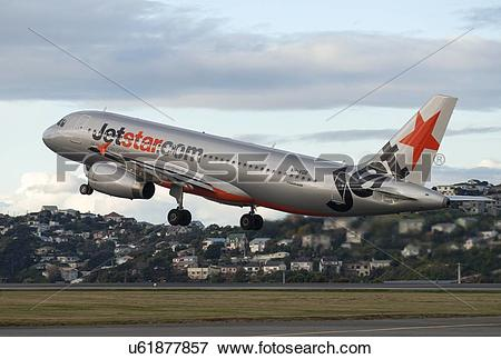 Picture of Airbus A320 of Jetstar taking off from Wellington.