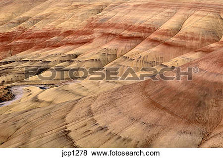 Pictures of John Day Fossil Beds hillside with sedimentary strata.