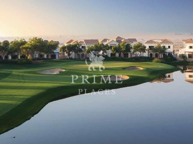 Lake apartments for rent in Jumeirah Golf Estates (Dubai).