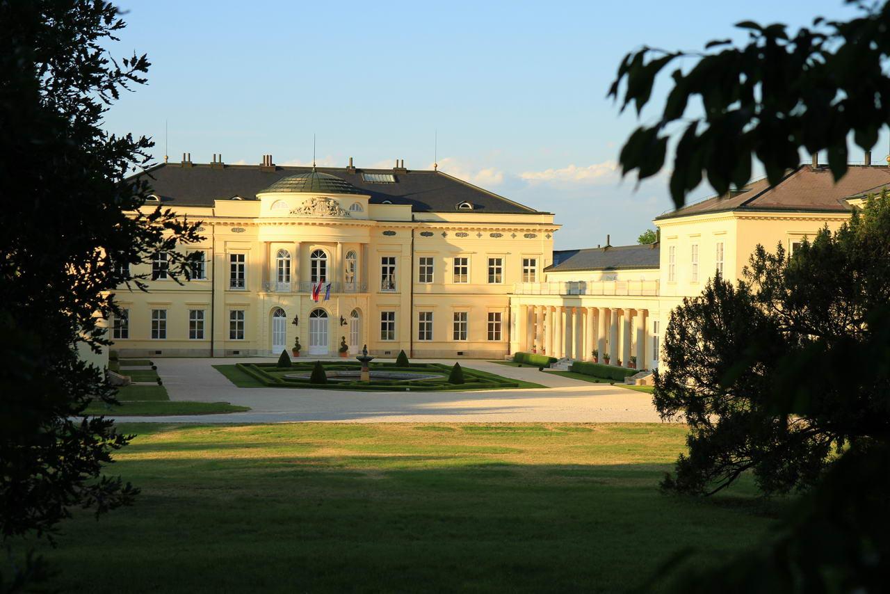 Károlyi Castle.