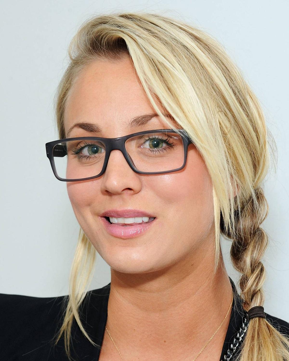 Kaley Cuoco ruined everything with that stupid pixie haircut.