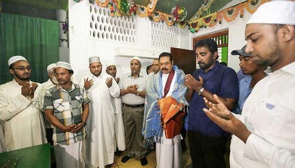 President at Kalmunai Kadatkarai Mosque.