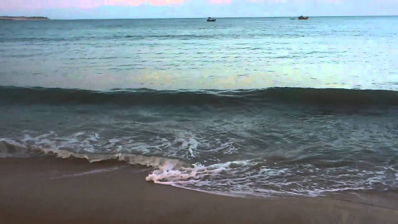 Kalmunai beach.