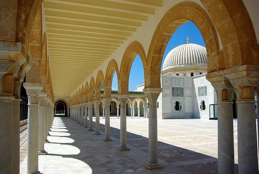 チュニジア.