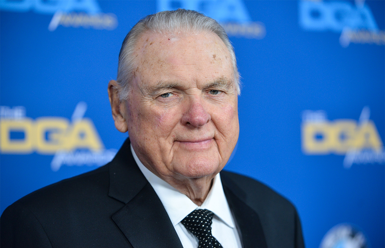 Keith Jackson, sportscaster with \'Whoa, Nelly! call, dies.