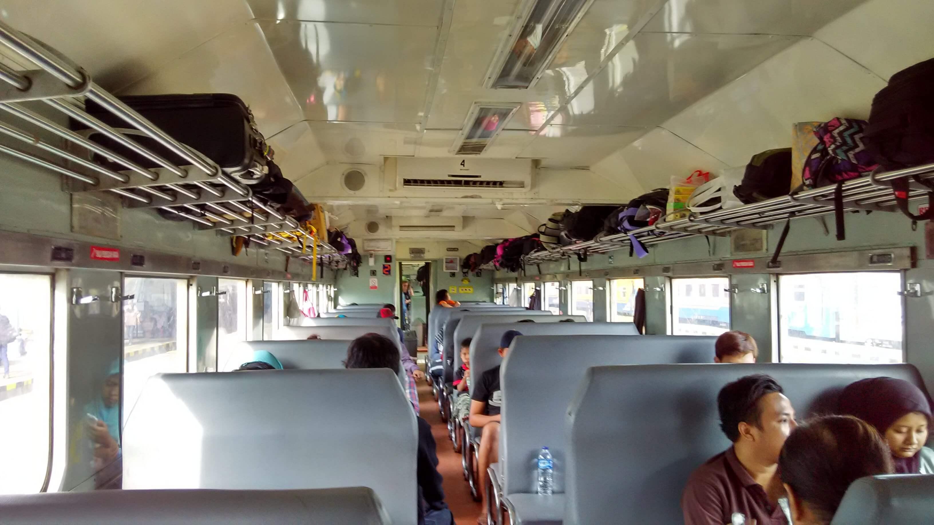Kereta api Sri Tanjung riwayatmu kini.