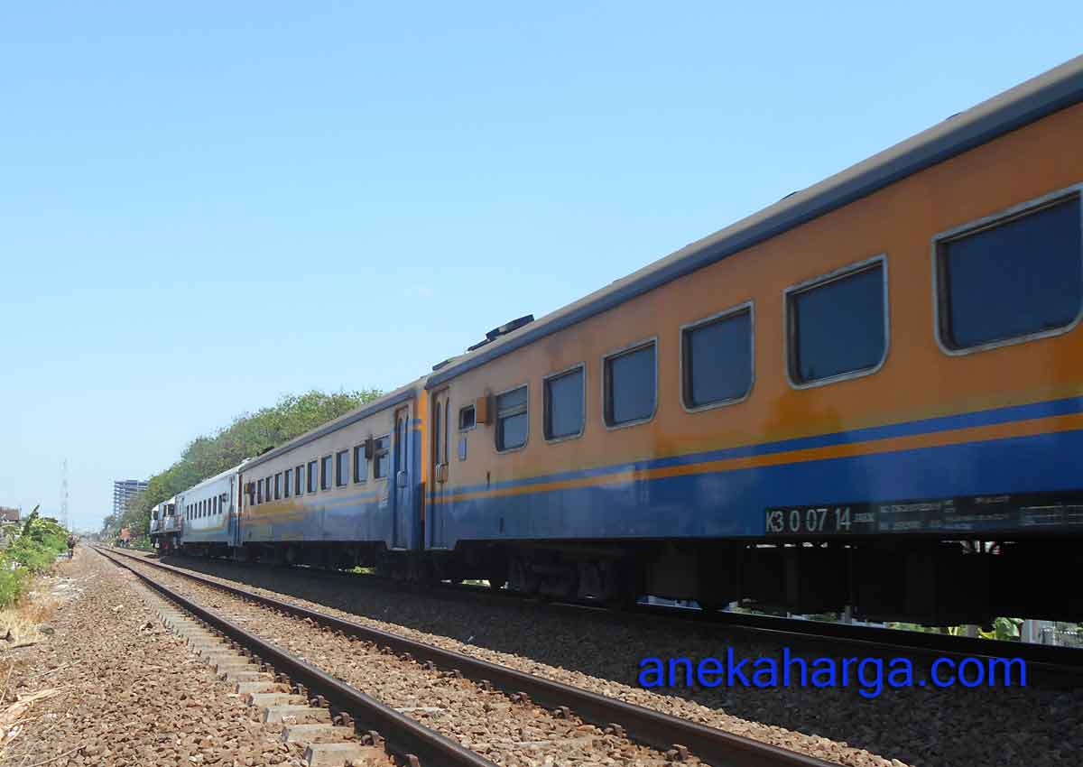 Jadwal Kereta Api Sritanjung.