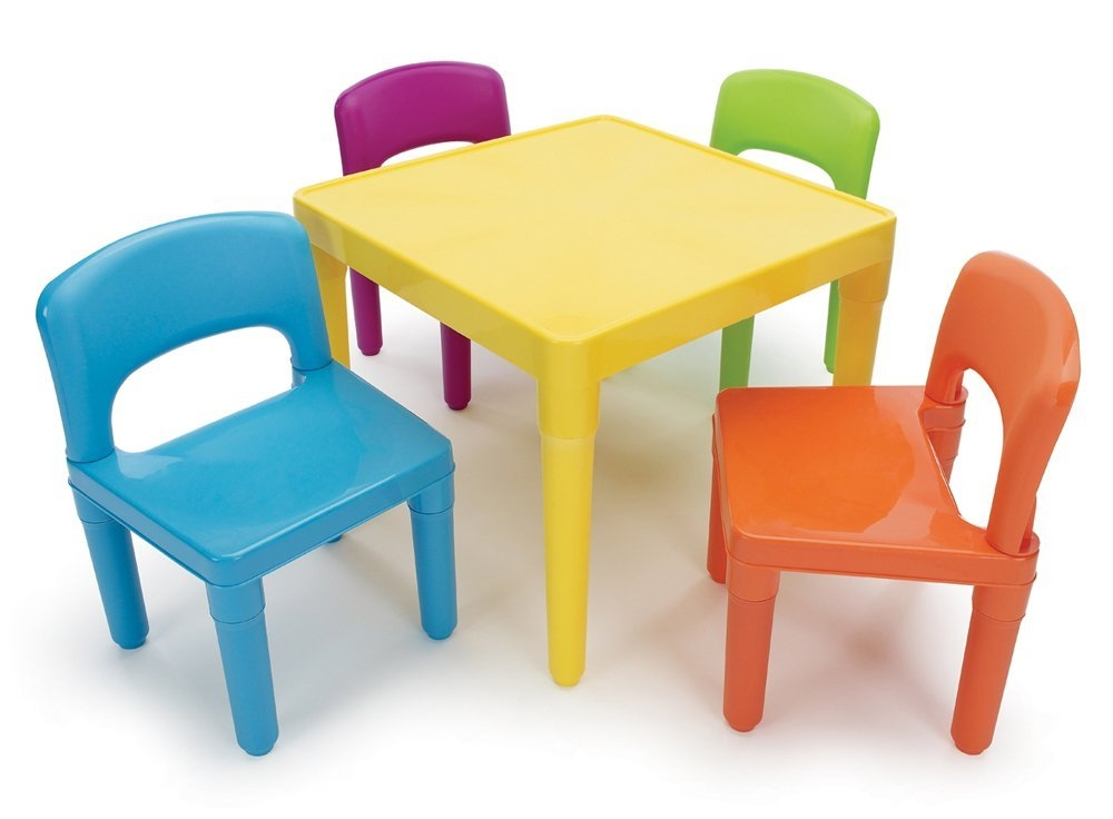 Small Table With Chairs For Coloring Clipart Free.