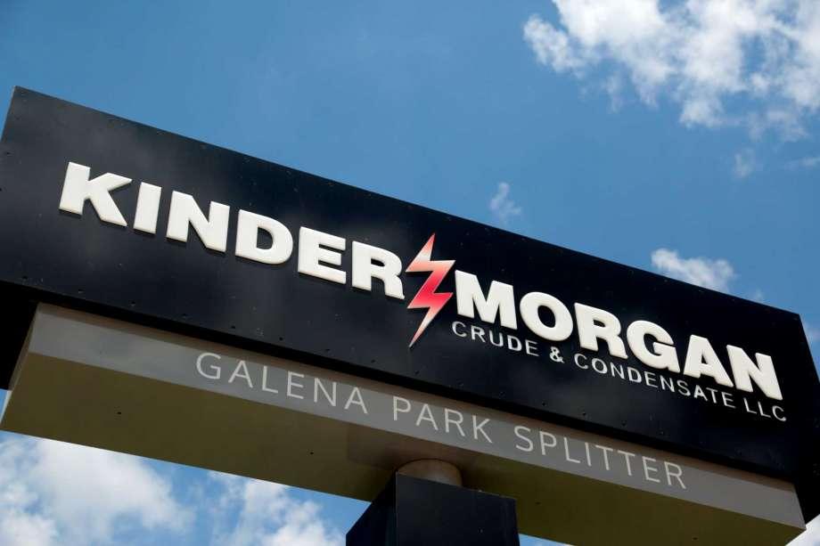 Kinder Morgan closes $2.5 billion deal to exit Canada.