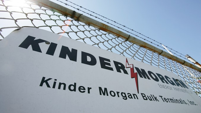 Kinder Morgan wins Texas court challenge, removing obstacle.