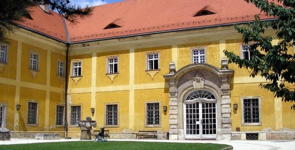 Kiscelli Museum.