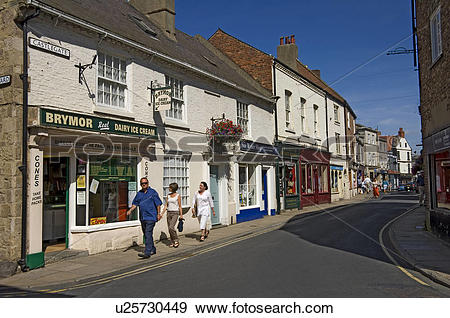 Stock Photograph of England, North Yorkshire, Knaresborough, A row.