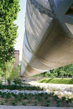 Modern Architecture: Undulating Lent.