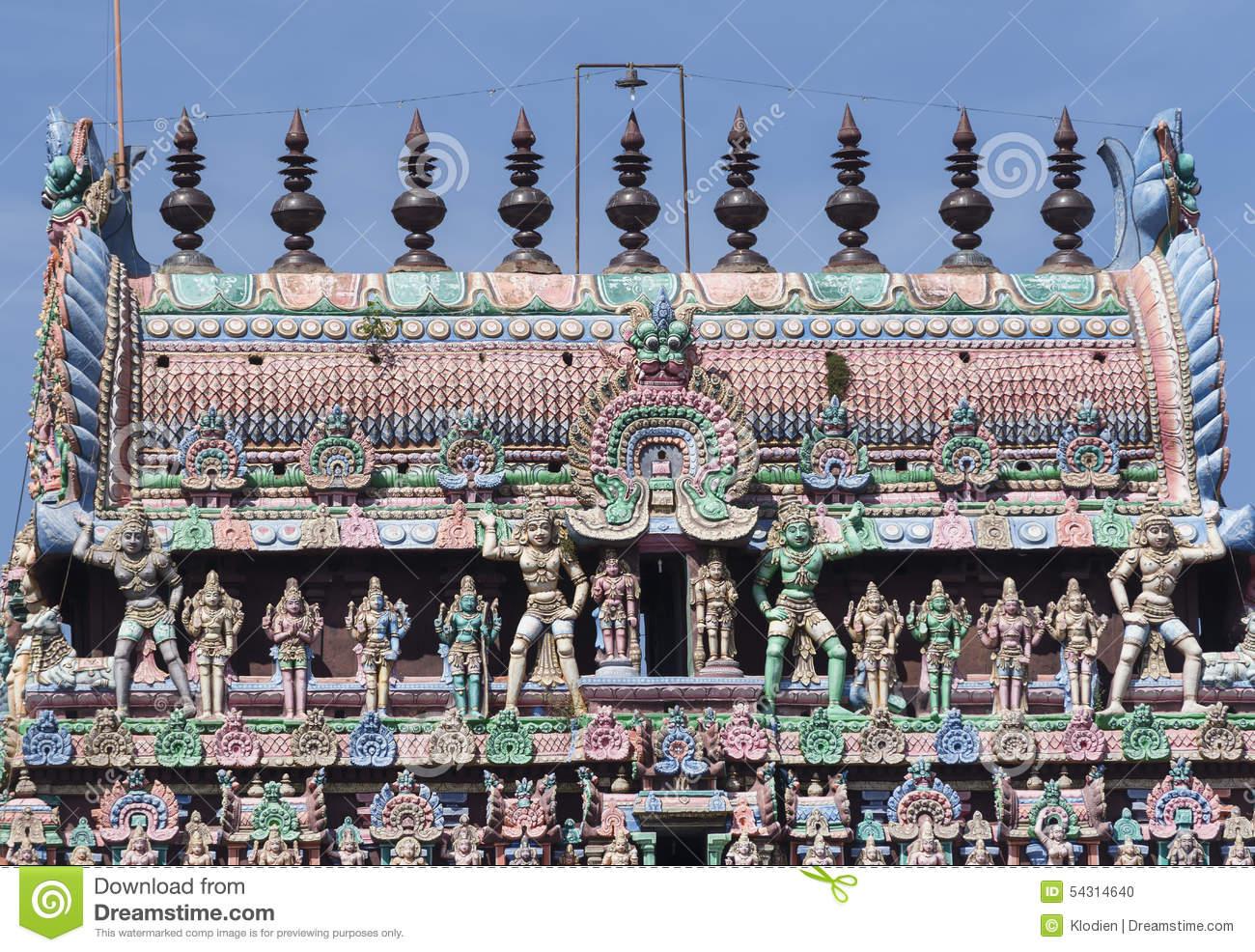 The Kumbam On Top Of The Kumbeswarar Temple Gopuram. Editorial.