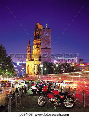 Pictures of Germany, Berlin, Kurfurstendamm, Kaiser Wilhelm Church.