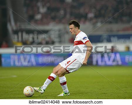 Pictures of William Kvist, VfB Stuttgart, on the ball, Mercedes.