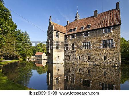 """Pictures of """"Vischering Castle, Ludinghausen, Westmunsterland."""