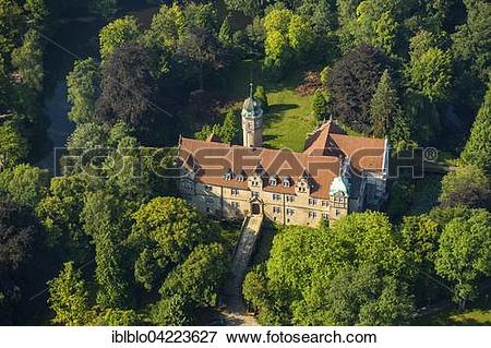 Picture of Wasserschloss Uhlenburg, moated castle, Lohne, North.