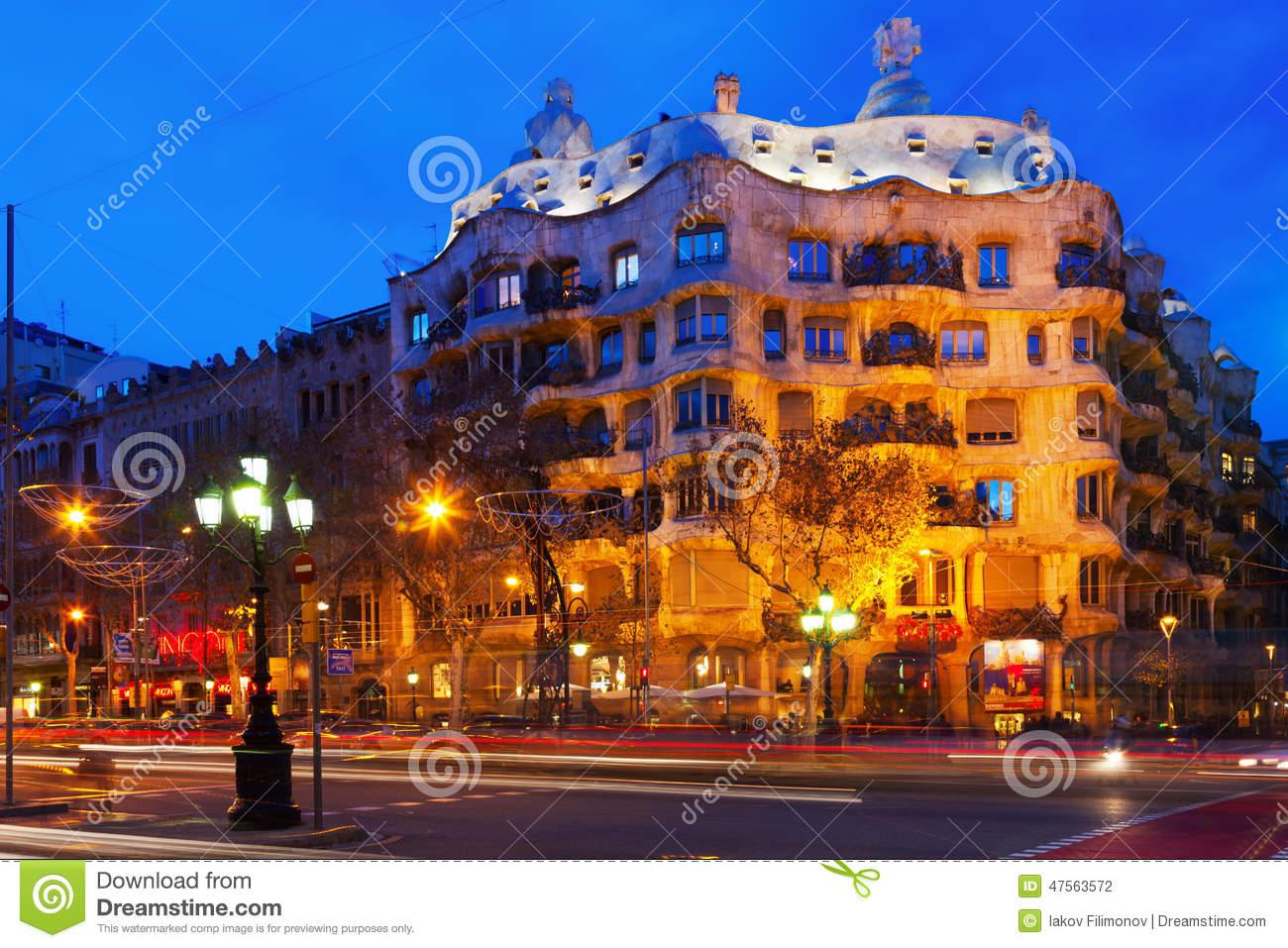 Night View Of Casa Mila (La Pedrera) In Barcelona Editorial.
