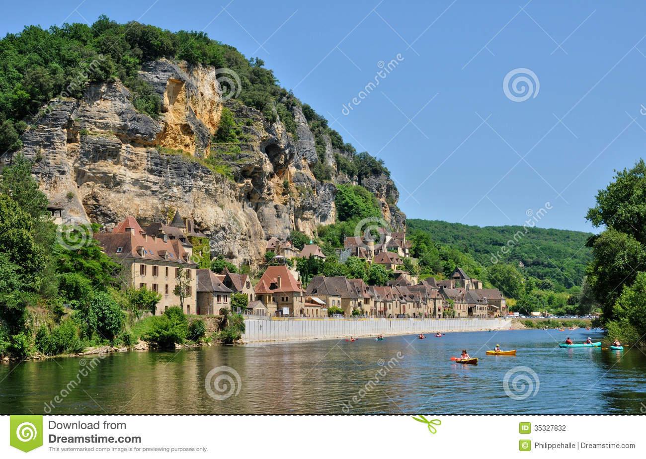 Picturesque Village Of La Roque Gageac In Dordogne Stock Photos.