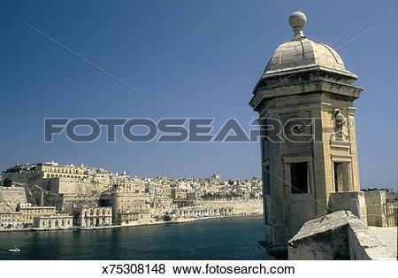 Pictures of View of La Valletta from Senglea x75308148.